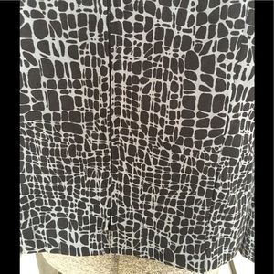 JM Collection Jackets & Coats - JM Collection black patterned zip front jacket.